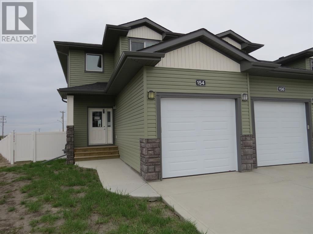 154 Hampton Close, Penhold, Alberta  T0M 1R0 - Photo 1 - CA0185050