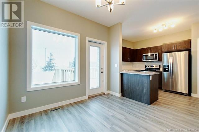 154 Hampton Close, Penhold, Alberta  T0M 1R0 - Photo 3 - CA0185050