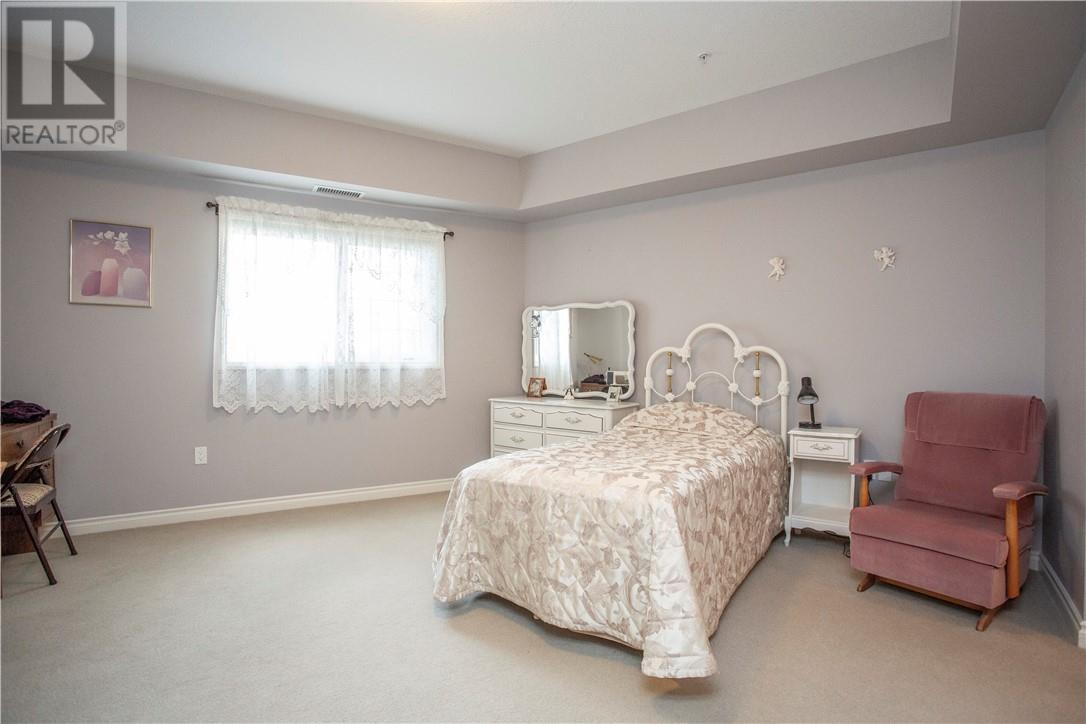 127 6 Michener Boulevard, Red Deer, Alberta  T4P 0K5 - Photo 9 - ca0185935