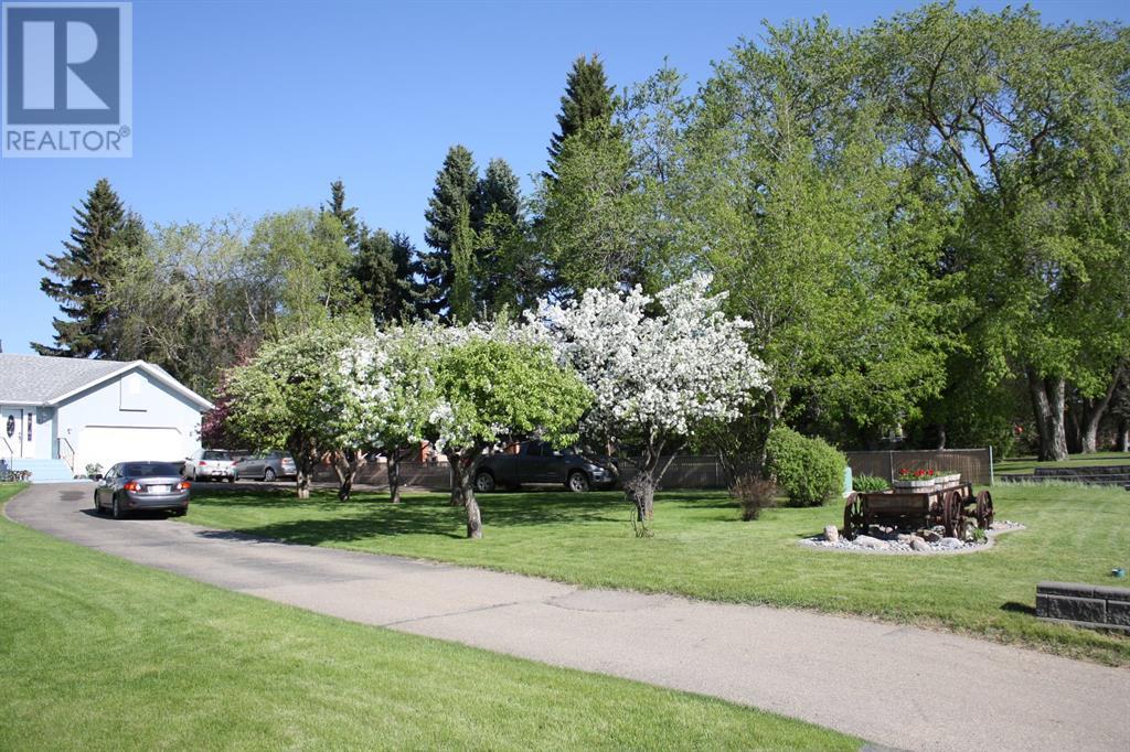 5636 58 Street, Lacombe, Alberta  T4L 1R3 - Photo 2 - CA0193077