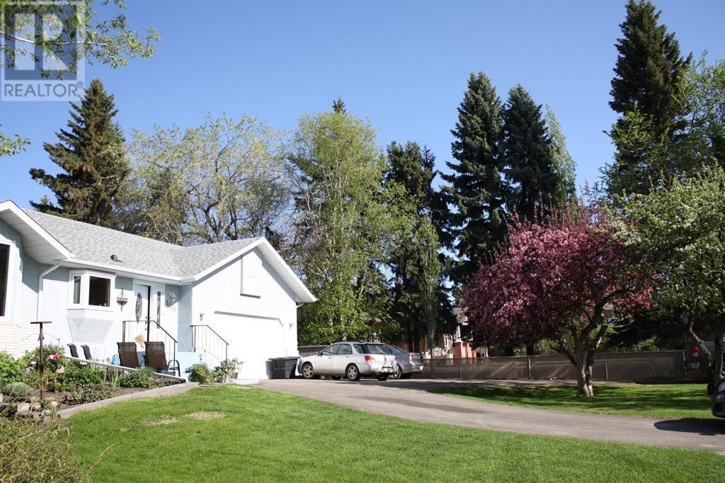 5636 58 Street, Lacombe, Alberta  T4L 1R3 - Photo 3 - CA0193077