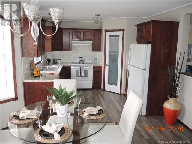 3939 50 Avenue, Sylvan Lake, Alberta  T4S 1B7 - Photo 13 - CA0193277