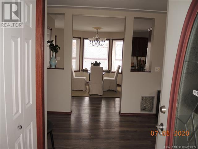 3939 50 Avenue, Sylvan Lake, Alberta  T4S 1B7 - Photo 3 - CA0193277