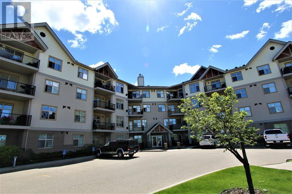 100 Lakeway  Boulevard, Sylvan Lake, Alberta  T4S 0A4 - Photo 1 - A1018700